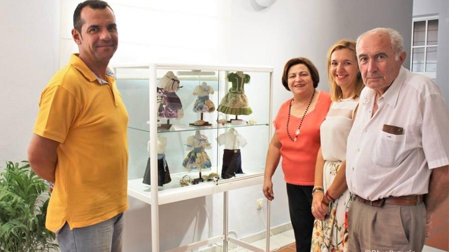 Exposicion trajes miniatura Casa Cultura 1